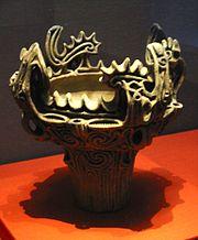 Vaso di terracotta del medio periodo Jōmon. Museo Nazionale di Tōkyō.