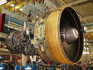English: A CF6 turbofan engine at the KLM engi...