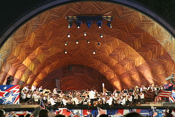 English: The Boston Pops Esplanade Orchestra p...