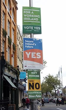https://i0.wp.com/upload.wikimedia.org/wikipedia/commons/thumb/1/1f/Irish_Fiscal_Compact_referendum_posters.jpg/225px-Irish_Fiscal_Compact_referendum_posters.jpg