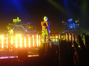 Linkin Park saat konser di Praha, Ceko.