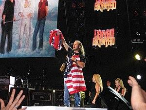 English: Lynyrd Skynyrd in concert - New Brock...