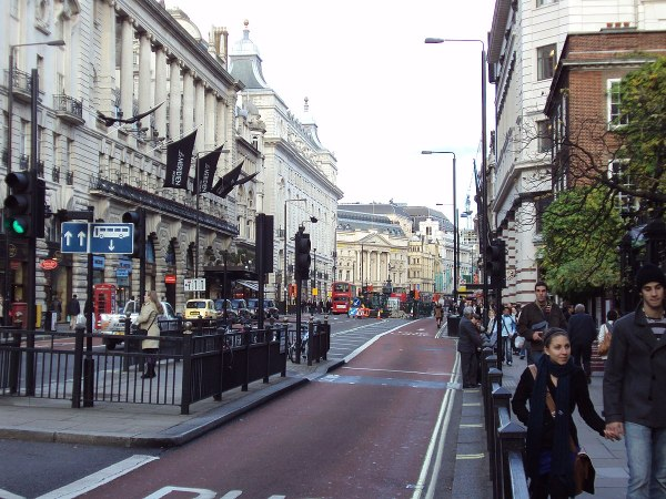 Piccadilly - Wikipedia