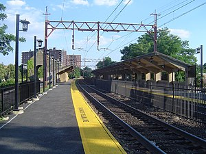300px-Bloomfield_Station.JPG (300×225)