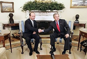 Traian Băsescu with George W. Bush (9 March 2005)