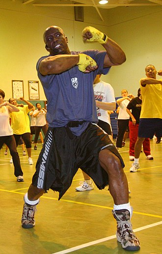 https://i0.wp.com/upload.wikimedia.org/wikipedia/commons/thumb/2/21/Billy_Blanks_navy.jpg/330px-Billy_Blanks_navy.jpg?w=680&ssl=1