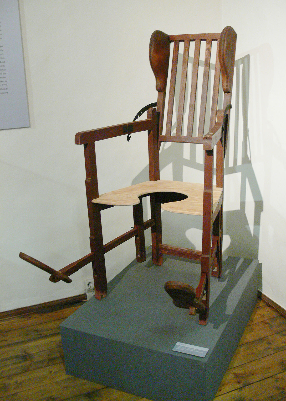 old fashioned birthing chairs swing chair frame wikipedia