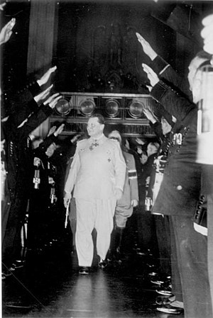 1941. Göring at an assembly of mining personne...