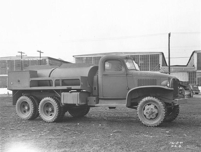 File:GMC CCKW 750 Gal Tanker.jpg