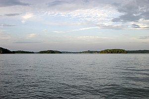 English: A part of Lake Keowee, in South Carolina.