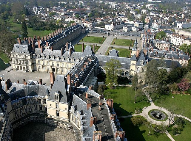 File Fontainebleau Aerial View Of The Castle Jpg