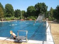 Datei:Schlossborn Schwimmbad Becken.jpg  Wikipedia