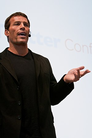 English: Motivational speaker Tony Robbins at ...