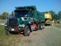 File 2010 Volvo Vhd Wikimedia Commons - Year of Clean Water