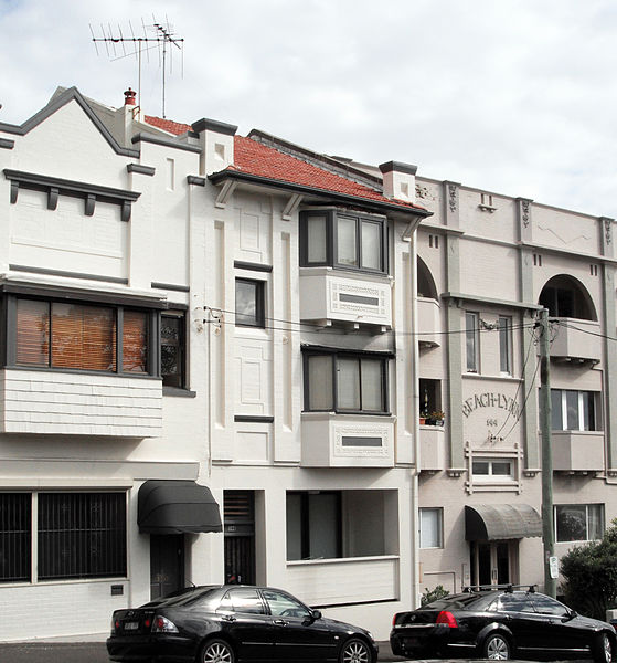 Federation Apartments in a row of Art Deco at 146 Beach Street South Coogee NSW