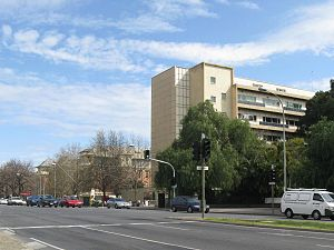 English: Royal Adelaide Hospital, North Terrac...
