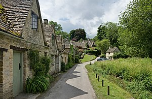 English: A row of cottages in Bibury, Cotswold...