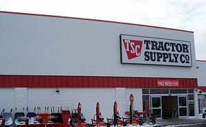 Looking west at the Tractor Supply Company loc...