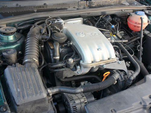 small resolution of file volkswagen 2 0 engine jpg wikimedia commons 2002 vw cabrio engine diagram 2000 vw cabrio