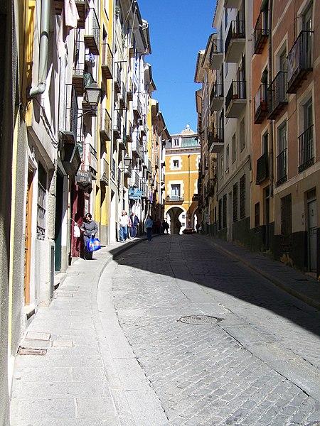 File:Cuenca-20080319-03-calle alfonso viii.jpg
