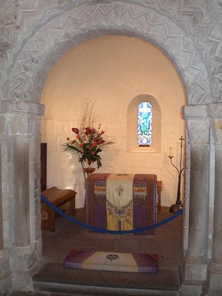 File:Inside St. Margaret's Chapel.jpg