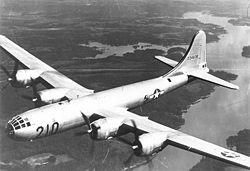 O B-29 Superfortress, um  bombardeiro pesado.