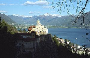 Deutsch: Madonna del Sasso über Locarno