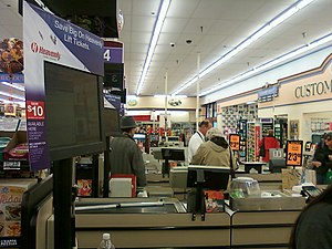 English: Checkout lanes inside of a Save Mart ...