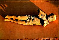 Cadáver de bebé en Pompeya.