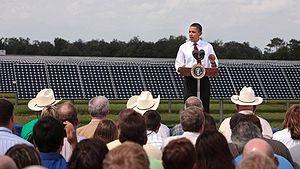 English: President Barack Obama talks at the D...