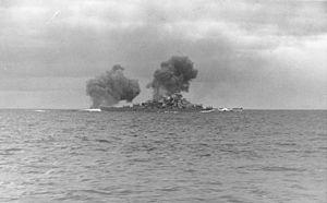 Bundesarchiv Bild 146-1984-055-13, Schlachtschiff Bismarck, Seegefecht.jpg