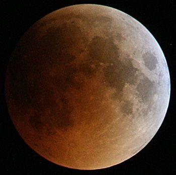 English: Total Lunar eclipse 15 June 2011 in i...