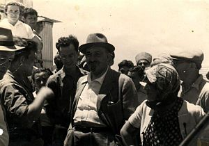 Chaim Weizmann visiting Joara (on the southern...