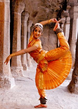 English: A dancer of Sri Devi Nrithyalaya perf...