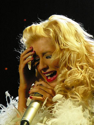 "English: Christina Aguilera singing ""Hurt..."