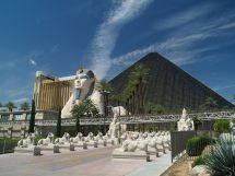 Luxor Las Vegas - Wikipedia