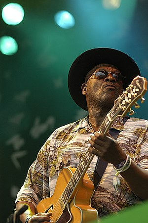 Taj Mahal (Glastonbury 2005) What a smoking pi...
