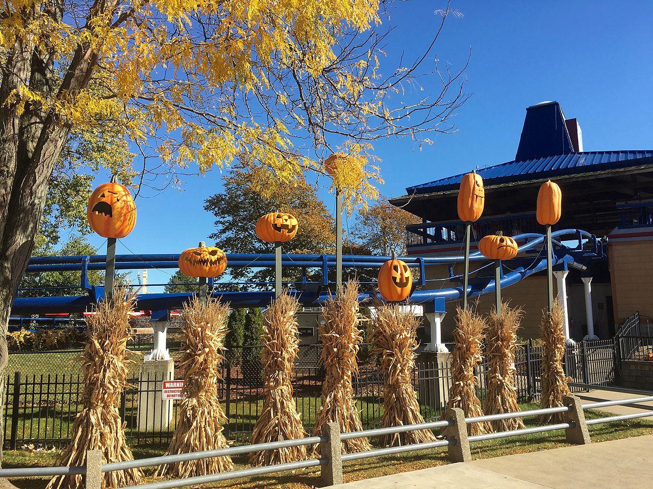 Fall Pumpkin Wallpaper File Cedar Point Halloweekends Pumpkins Near Corkscrew