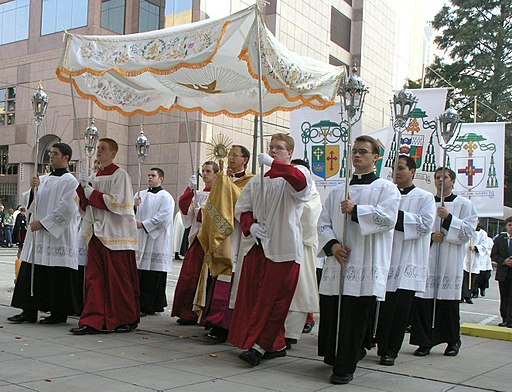 Blessed Sacrament procession, First Annual Southeastern Eucharistic Congress, Charlotte, North Carolina - 20050924-01