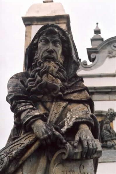 Estátua do profeta Isaías esculpida por Aleijadinho