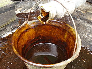 English: Molasses on a dairy farm in France (p...
