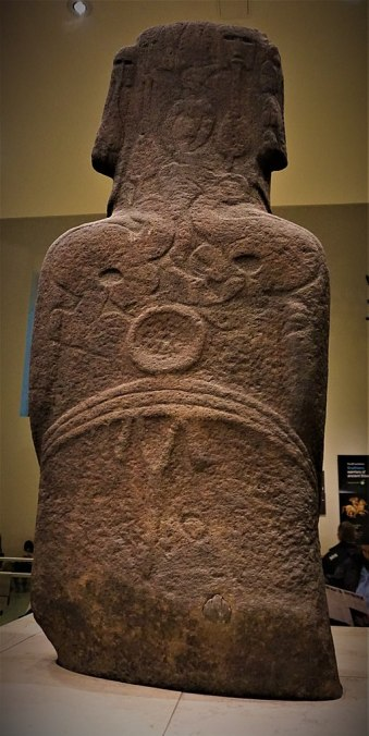 Hoa Hakananai'a - Moai from Easter Island - Joy of Museums