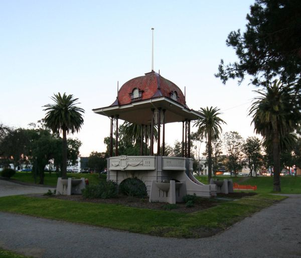 Johnstone Park - Wikipedia