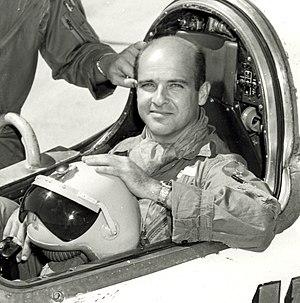 Captain Mel Apt in Bell X-2 1956.jpg