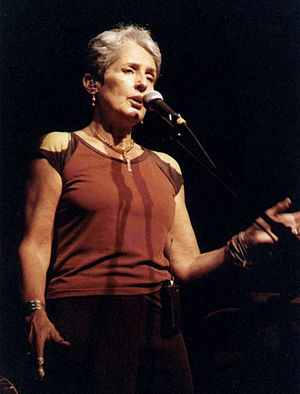 English: Joan Baez at The Neighborhood Theatre...