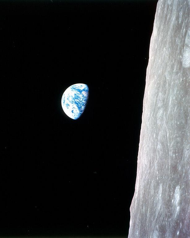 File:Earthrise - Apollo 8 (9460163430).jpg - Wikimedia Commons