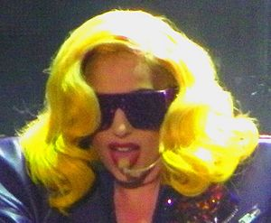 English: Gaga opening the Monster Ball with Da...