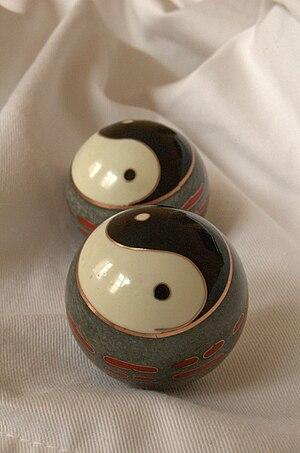 Kugeln, yin and yang, Klangkugeln