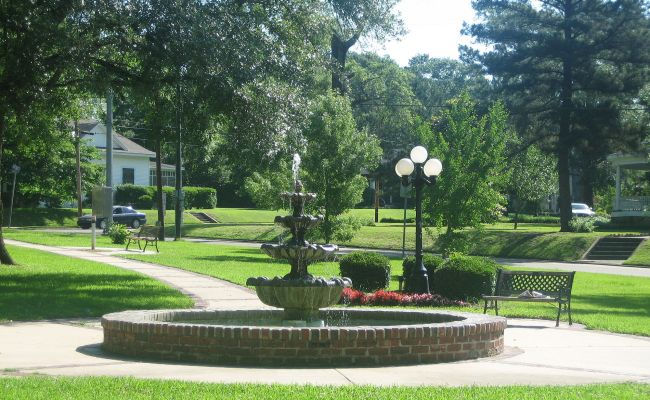 File Academy Park In The Historic District Of Minden La