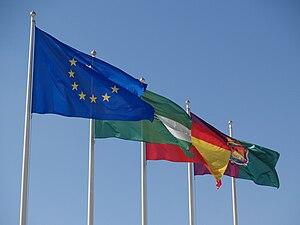 Español: Banderas de la Unión Europea, España,...